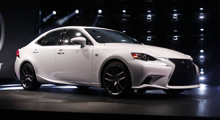 Презентация нового Lexus IS