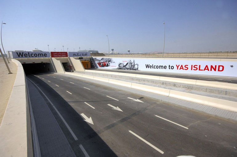 Yas_Tunnel