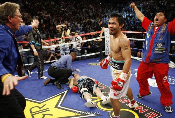Бывший чемпион мира по боксу в четырех весовых категориях филиппинец Мэнни Пакьяо одержал эффектную победу над экс-чемпионом мира в двух весовых категориях британцем Рикки Хаттоном. Лас Вегас, Невада, 2 мая 2009. REUTERS/Steve Marcus