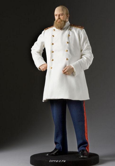 Александр III Александрович (1845–1894), российский император, сын Александра II. Вступил на престол после убийства Александра II 1 (13) марта 1881 года