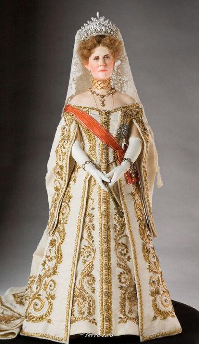 Александра Федоровна (1872-1918) - супруга Императора Николая II, императрица в 1894-1918 годах