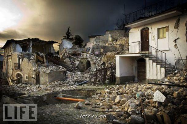 Десятки тысяч людей стали жертвами землетрясения в Италии весной этого года. Сотни жителей погибли, многие остались без дома.