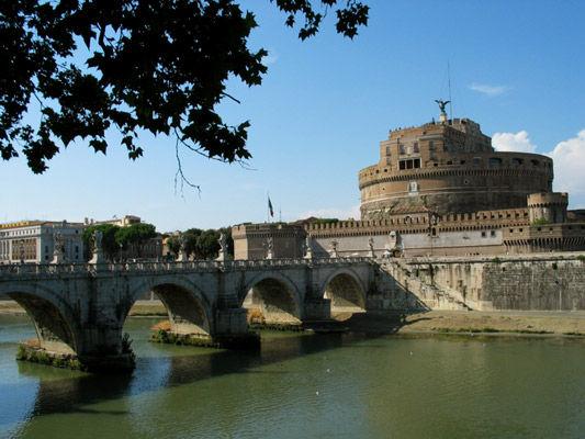Pont et Chateau Saint-Ange