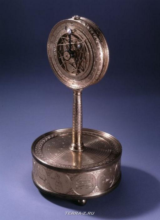 Уникальные механические стационарные часы. Франция, 1560