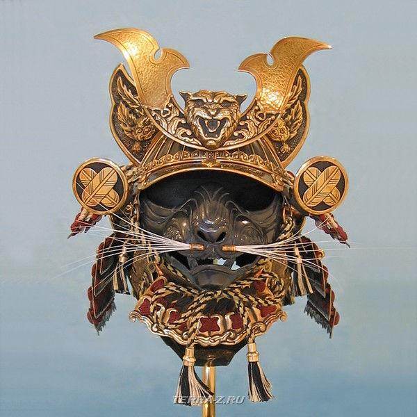 Маска сиамского кота-самурая