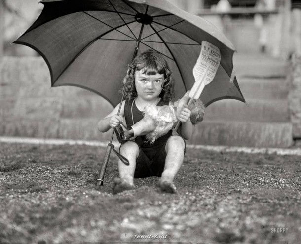 """28 июня 1923. Вашингтон, округ Колумбия. """"Девочка в купальнике""""."""