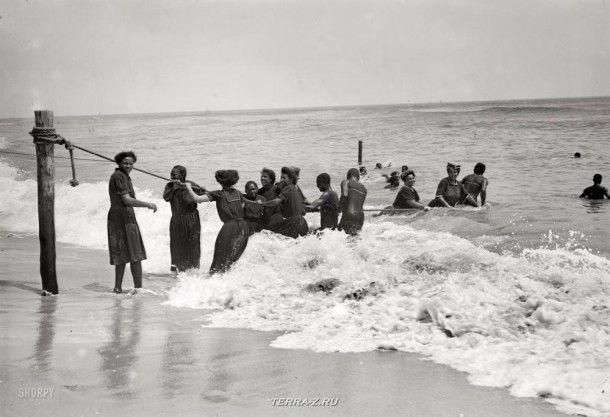 """19 июля 1908. """"Купающиеся негры, Асбери Парк"""""""