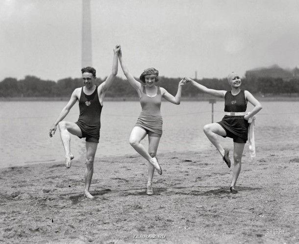 1922 год. Вашингтон, округ Колумбия. Актриса Кей Лорел за пять лет до своей преждевременной кончины с друзьями на пляже Потомак