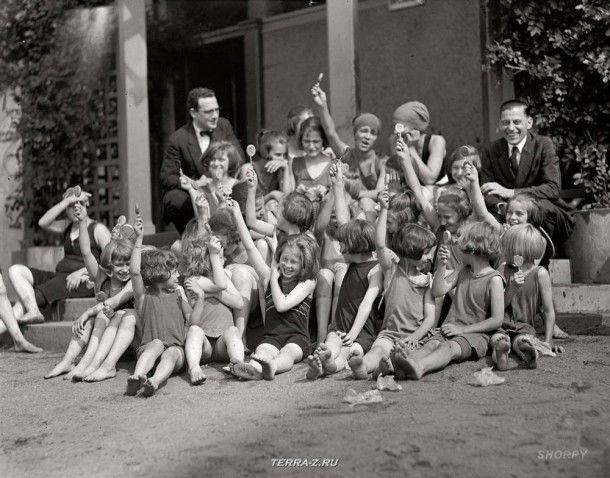 """21 августа 1924. """"Дети-сироты на пляже"""""""