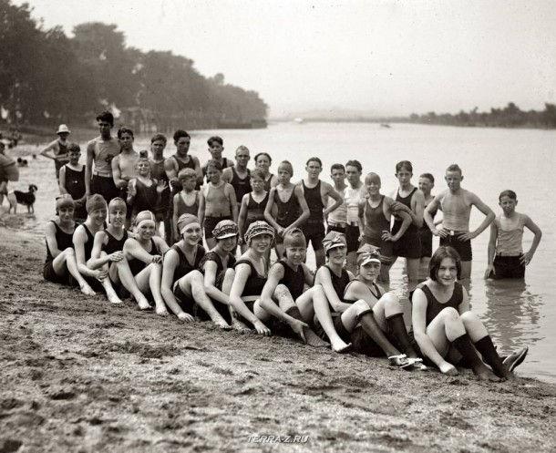 """16 июня 1923. Вашингтон, округ Колумбия. """"Пляж Арлингтон. Мальчики и девушки"""""""