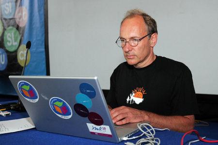 Тим Бернерс-Ли, создатель первого сайта info.cern.ch