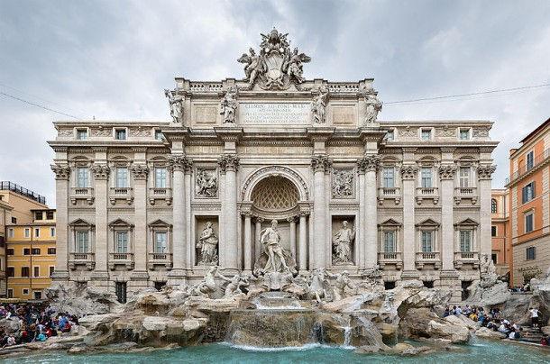 Величественный фонтан Треви (Рим, Италия)