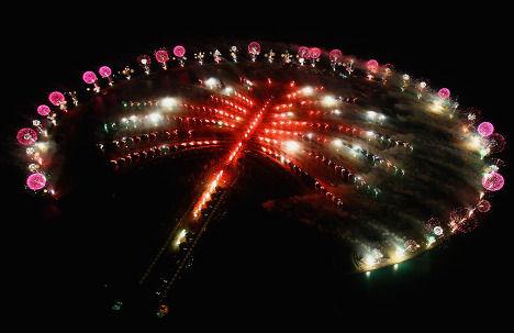 """Самый дорогой фейерверк на открытии отеля """"Атлантис"""" (Дубаи, ОАЭ)"""