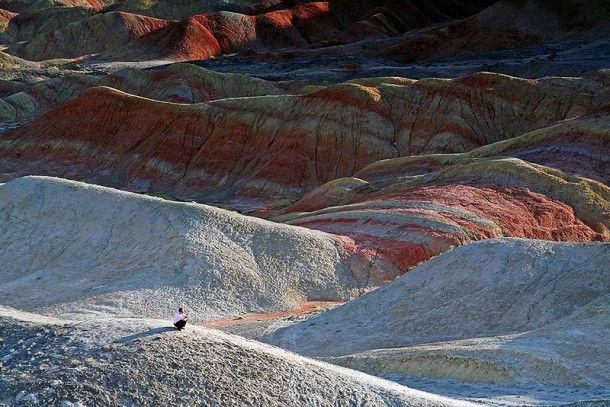 Красные горы геологического парка Zhangye (Китай, провинция Gansu)