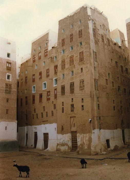 Шибам - город глиняных небоскребов (Хадрамаут, Йемен)