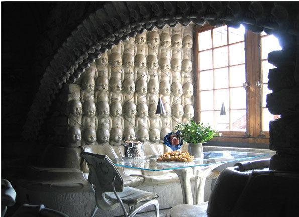 Необычные бары – Бар Скелетов (The Skeleton Bar)