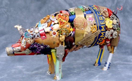 Скульптуры из значков от Leo Sewell (Лео Сьюэлл)