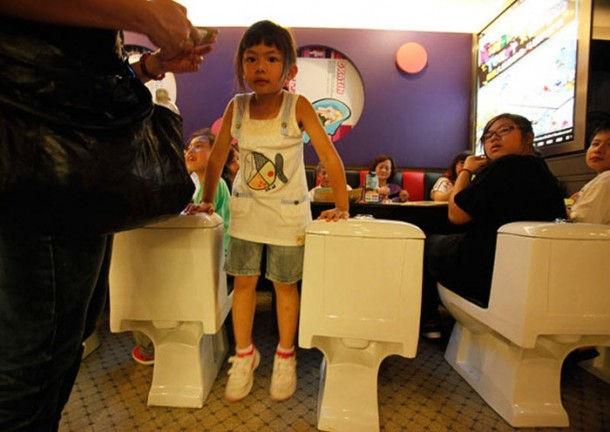 """""""Туалетный"""" ресторан (Шэньчжэнь, Китай)"""