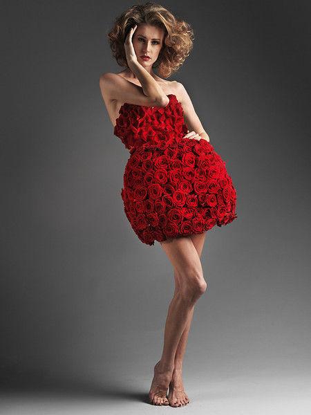 """""""In Flowers"""" - коллекция платьев из цветов от Елены Беленичиной (Платье из роз)"""