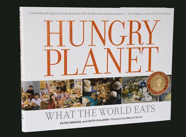 """""""Голодная планета"""" – книга о том, что едят в мире"""