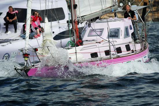 Джессика Уотсон - вокруг света на яхте в 16 лет