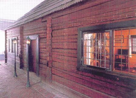 Домик Петра І – первое строение Петербурга (современный вид)