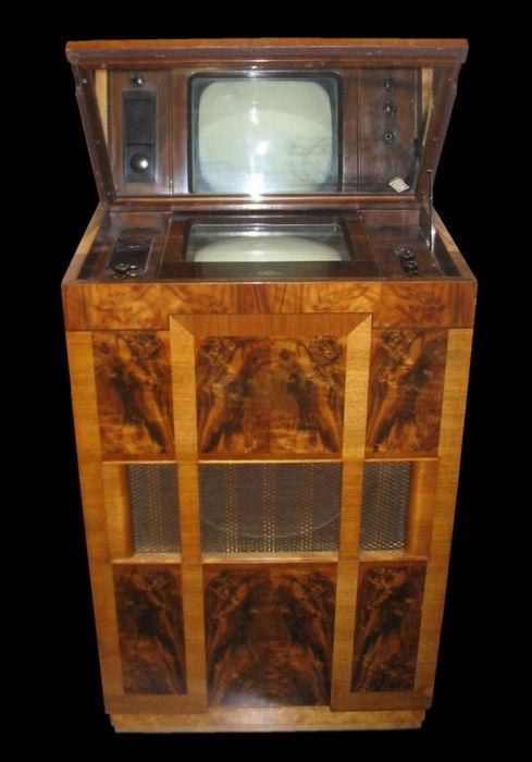 """Marconi type 702"" - самый старый работающий телевизор (Англия, 1936)""Marconi type 702"" - самый старый работающий телевизор (Англия, 1936)"