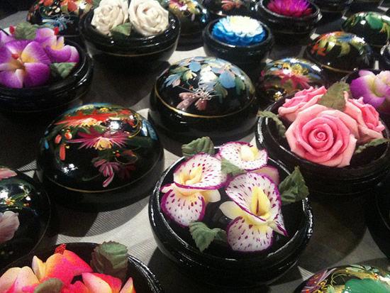 Резные цветы из мыла (Чианг Рай, Таиланд)