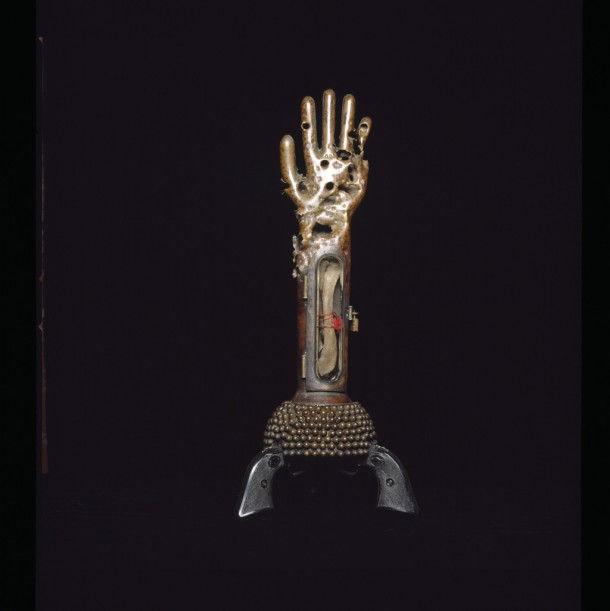 Скульптуры из оружия от Al Farrow (Ал Фэрроу)