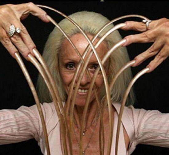 Ли Редмонт, Королева длинных ногтей