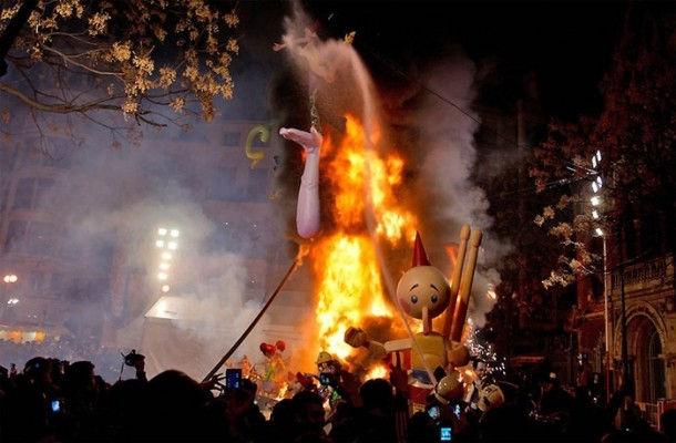 Las Fallas - фестиваль огня (Валенсия, Испания)