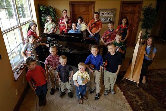 """Семья Даггаров – """"19 детей - не предел"""" (Арканзас, США)"""