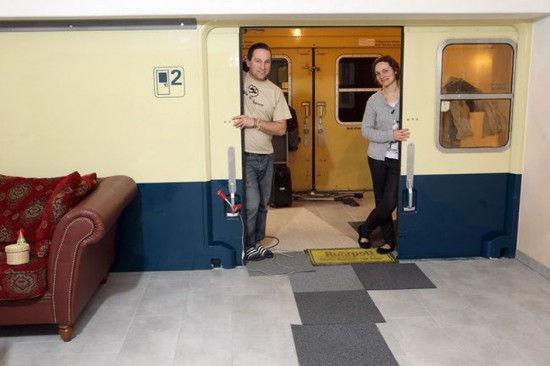 Дом из железнодорожных вагонов (Германия)
