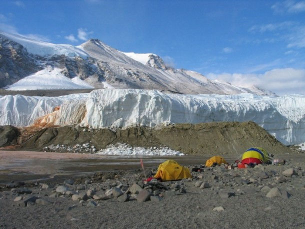 Кровавый водопад (Антарктида)