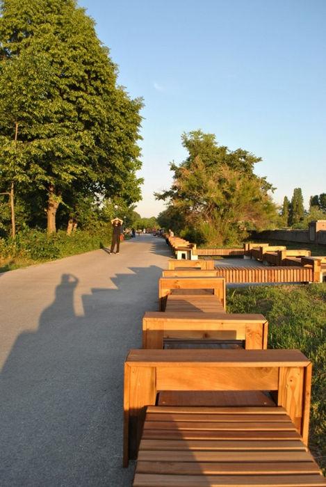 Самая длинная в мире скамейка (Болгария)