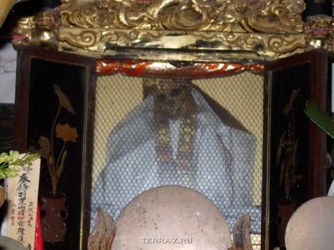 Сокушинбутсу – буддийская практика самомумификации (Япония)
