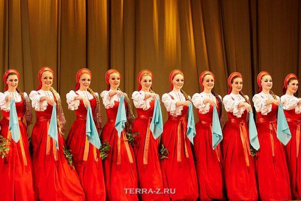 "Плавающий танец ансамбля ""Березка"" (Россия)"