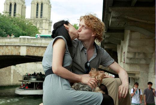 "Фотопроект ""100 поцелуев в Париже"""