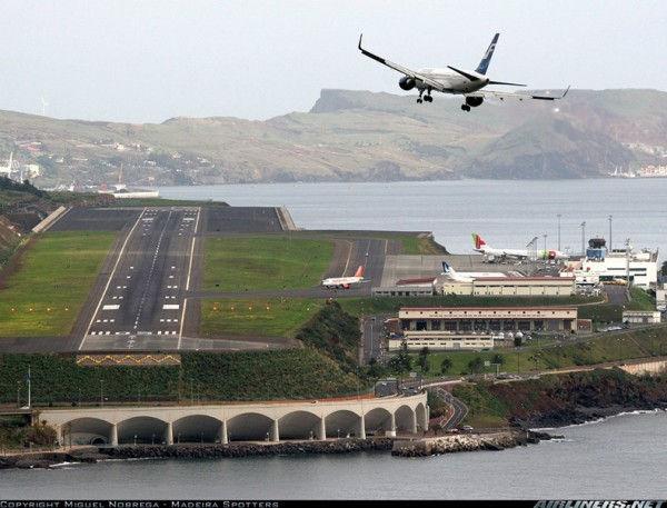 Подвесной аэропорт Мадейры (Португалия)