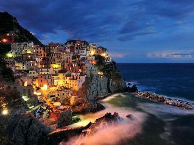 Манарола – красочный город на утесе (Италия)