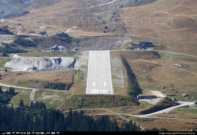Аэропорт Куршевель: под углом к горизонту (Франция)