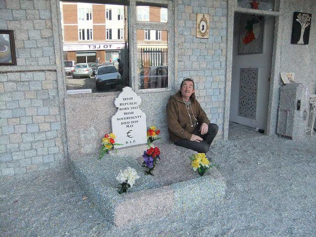 Дом Миллиарда Евро: жилье и памятник безумию (Ирландия)