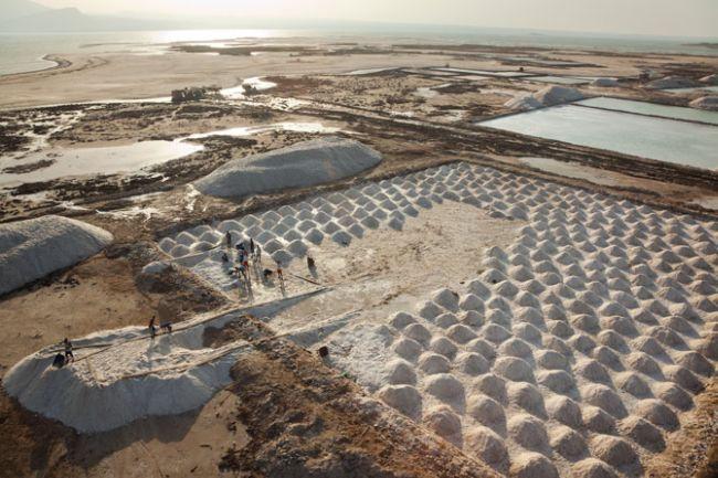 Африка Джорджа Штейнмеца: Соль и Земля