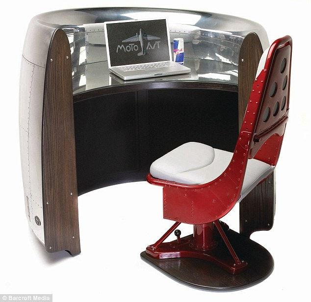 Motoart: концептуальная мебель из частей самолета (США)