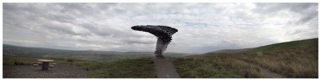 Поющее Дерево: скульптура из металлических труб (Англия)