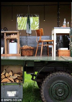 Отель в кузове армейского грузовика (Англия)
