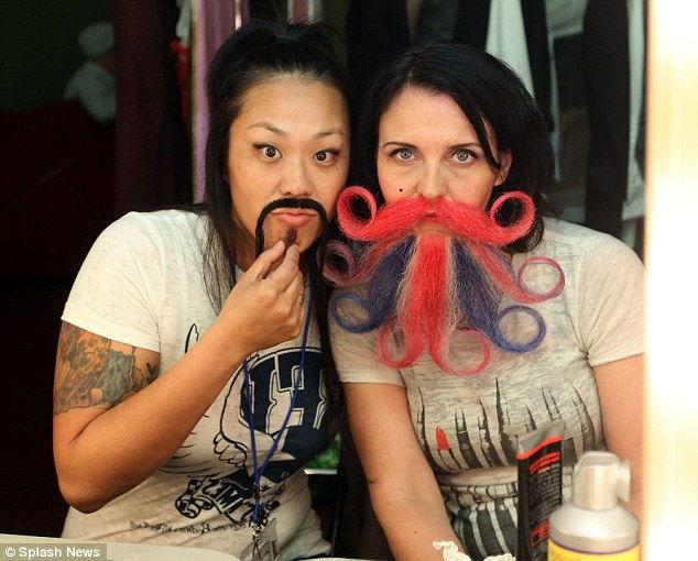 Бородатые женщины на конкурсе бородатых мужчин (США)