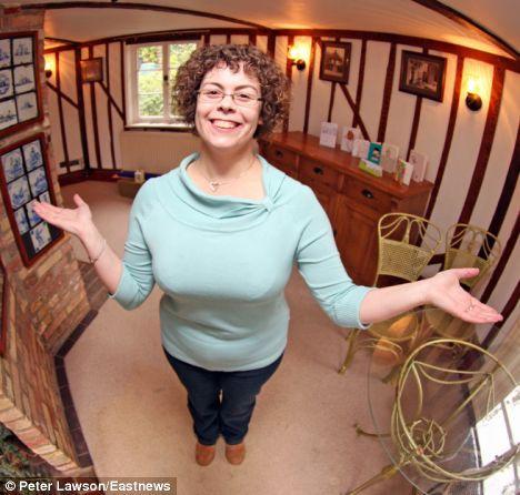 Самый маленький социальный домик в Британии