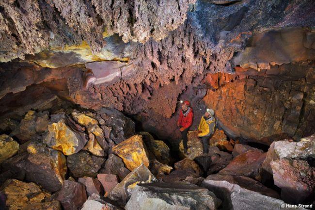 Путешествие к центру Земли: экскурсии в потухший вулкан (Исландия)