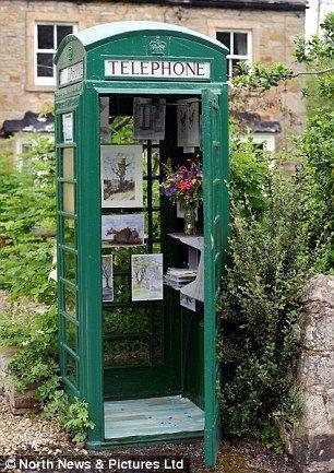 Самая маленькая художественная галерея в телефонной будке (Англия)
